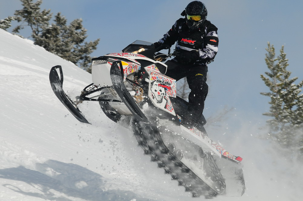Maxsled Snowmobile Review 2012 Ski Doo Summit More Of A Good Thing Maxsled Com Snowmobile Magazine